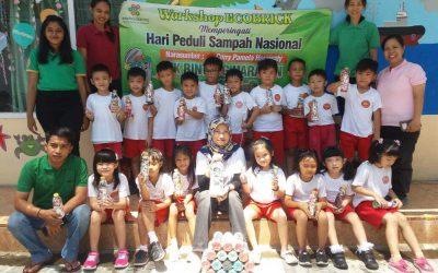 Ecobrick Workshop dalam rangka HPSN di TK Bintang Harapan Kraksaan Probolinggo