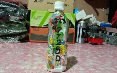 """""""Sedikit bijak menanganinya akan bermanfaat besar untuk kehidupan kita. Stop buang plastik bekas Anda… #DiRumahAja"""" by Hilman Man ecobricking in Indonesia using  CoV-19 Enhanced Ecobricking"""