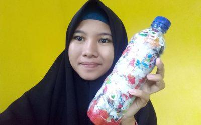 """""""Sayangi bumi🌍Kurangi Sampah plastik, dan jaga ke alami'an alam🏡Dengan memanfaat sampah akan merubahnya menjadi sesuatu yang lebih bernilai & bermakna🌱"""" by Umi  Saputri ecobricking in Indonesia using  CoV-19 Enhanced Ecobricking"""