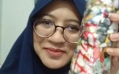 """Langkah kecil menyayangi Bumi"" by Aprilia Alamanda ecobricking in Indonesia using  CoV-19 Enhanced Ecobricking"
